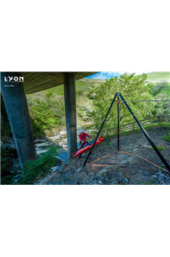 TRIBUS Rescue Tripod by Lyon